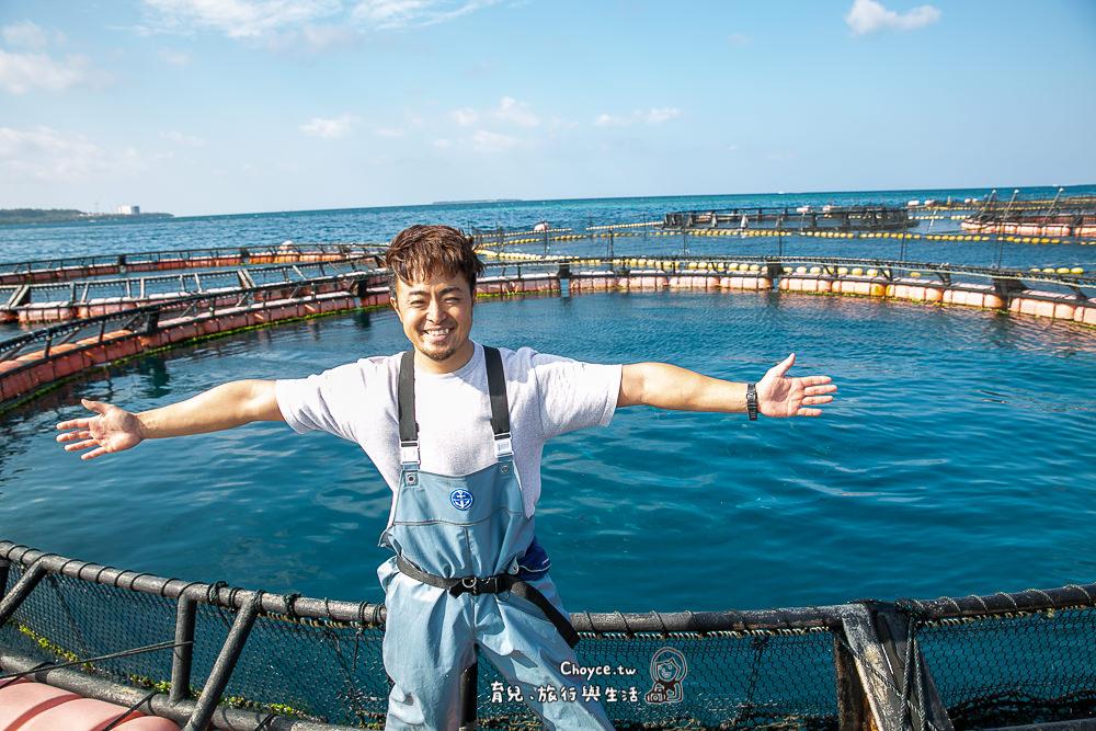 來沖繩親手餵鯊魚 看魟魚跳舞 Churaumi 美麗海水族館後院特殊體驗