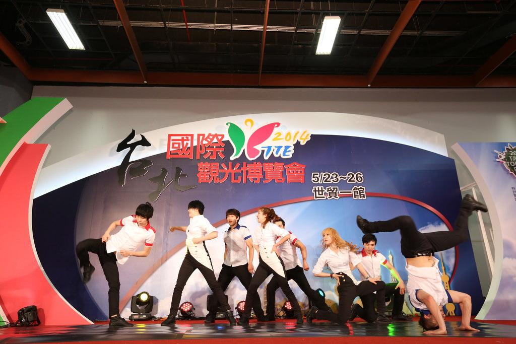 1舞台-韓國3.JPG