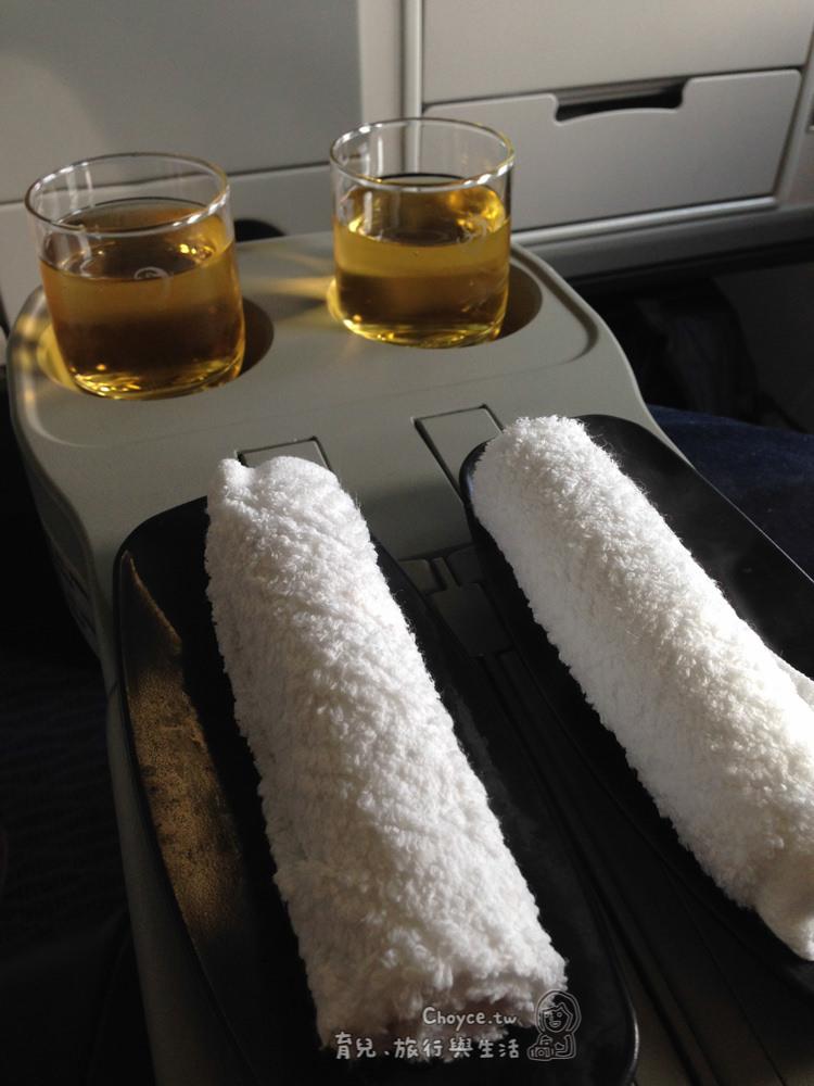 復興航空AIRBUS A330商務艙開艙 香檳喝到暈啦
