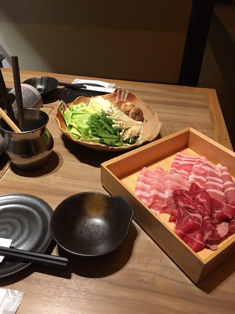 しゃぶしゃぶ食べ放題㈪.jpg