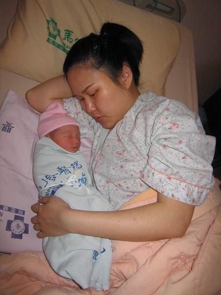 媽媽和女兒.JPG