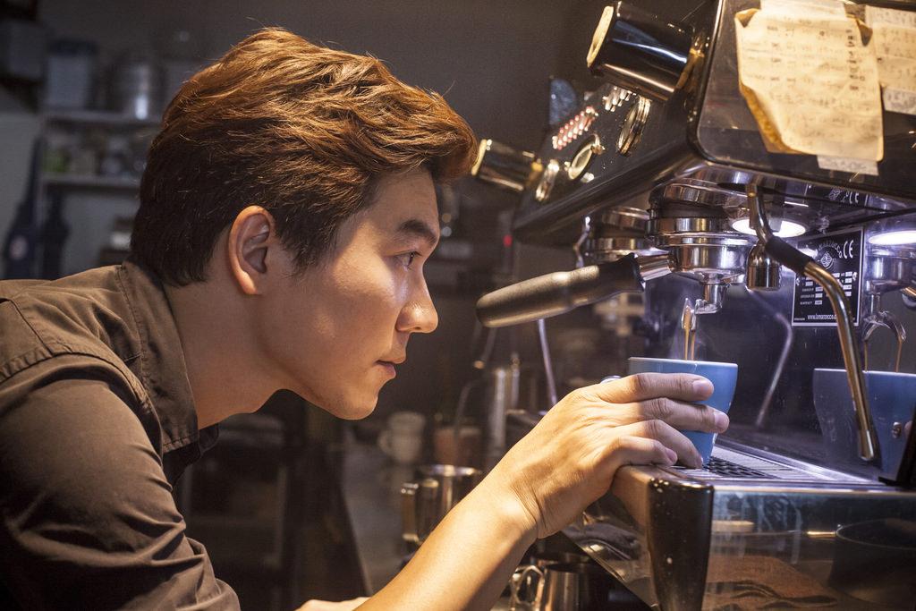 2014世界盃咖啡大師台灣選拔賽冠軍吳則霖.JPG