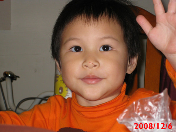 子喬滿兩歲10個月囉