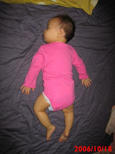 從小到大不變的睡姿.JPG